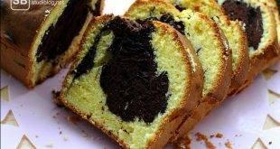 Augeschnittener Kuchen (Marmorkuchen) als Artikelbild zum zweiten Teil der Chroniken der Hauptschule