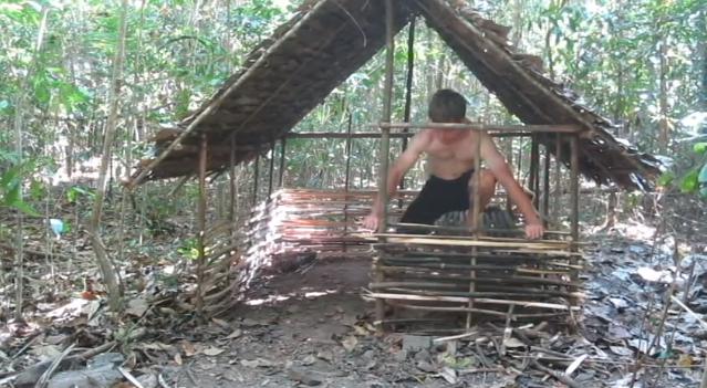 Mit Den Handen Eine Waldhutte Bauen Der Survival Guide Fur Den