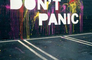 """Optimist: Graffiti """"Don't panic"""""""