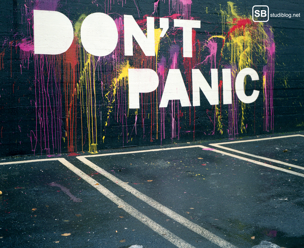 "Optimist: Graffiti ""Don't panic"""
