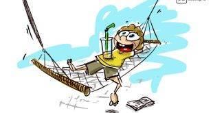 Student liegt in einer Hängematte mit einem Getränkeglas samt Strohhalm auf seinem Bauch - Semesterferien sinnvoll nutzen ohne Langeweile ist die Devise!