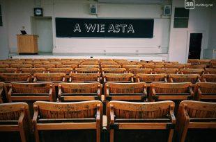 A wie AStA Hörsaal mit Tafel
