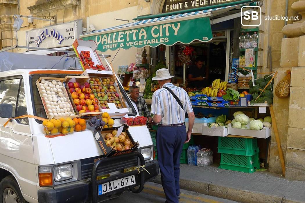 Artikelbild mit Obststand in Valletta, Malta