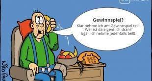 """Opa bestätigt am """"Telefon"""" dass er am Gewinnspiel teilnimmt: Bücher von Nico Fauser mit illustrierten Alltagssituationen."""
