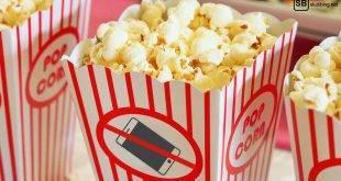 Auf einem Popcorn-Becher ist abgebildet: Handys im Kino verboten
