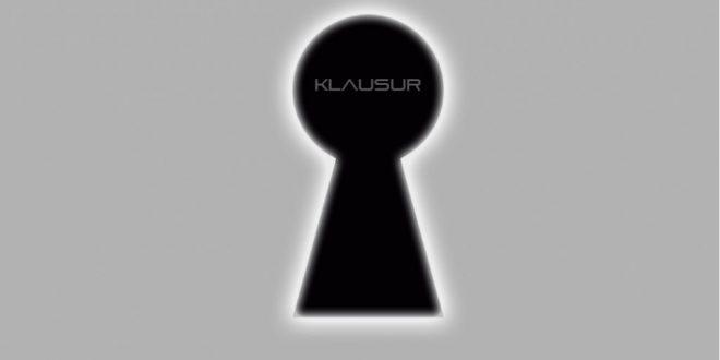 """Klausureinsicht: Schlüsselloch mit Schriftzug """"Klausur"""""""