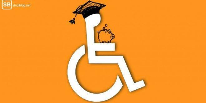 Studium mit Behinderung: Finanzierung. Rollstuhlfahrer mit Absolventenhut und Sparschwein