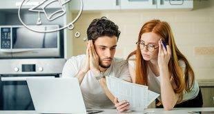 Kredit im Studium ohne Schufa - Bild zeigt grübelndes Paar bzgl. der Finanzen fürs Studium