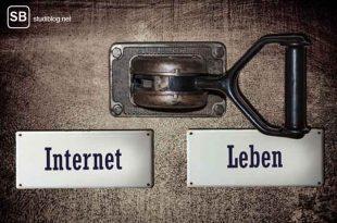 Soziale Netzwerke sind alles andere als sozial - das Bild zeigt einen Hebel zum Umlegen zur Wahl zwischen Internet oder Leben
