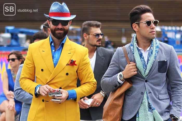 Männer gehen auf einen zu, die ziemlich ähnlich gekleidet sind und dabei meinen, sie sind individuell - uniformierte Individualisten.
