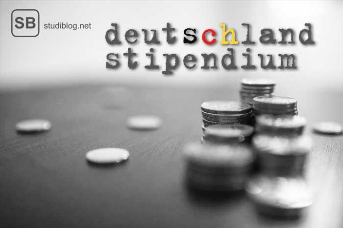 Deutschlandstipendium, Erklärung und Antrag, symbolisiert mit einem Münzstapel und der Deutschlandflagge