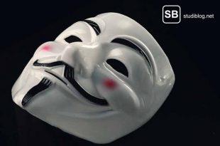 Eine Maske als Sinnbild für Stashing