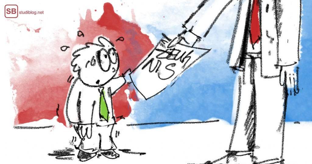 Arbeitszeugnis - Aufbau und Geheimsprache: Arbeitnehmer bekommt vom Arbeitgeber das Arbeitszeugnis überreicht