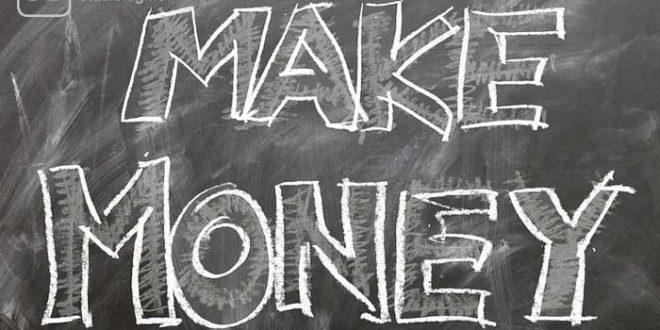 """Bild mit der Aufschrift """"Make Money"""" zum Thema der lukrativsten Studiengänge"""