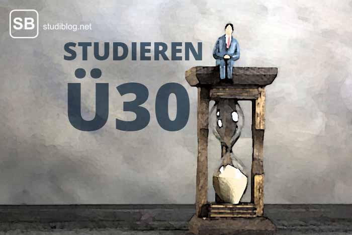 Sanduhr mit Männchen drauf als Sinnbild für Ü30-Studenten
