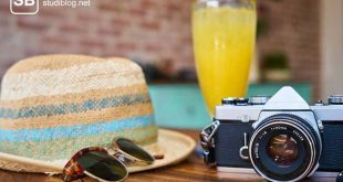 Ein paar Urlaubsessentials als Sinnbild für Staycation